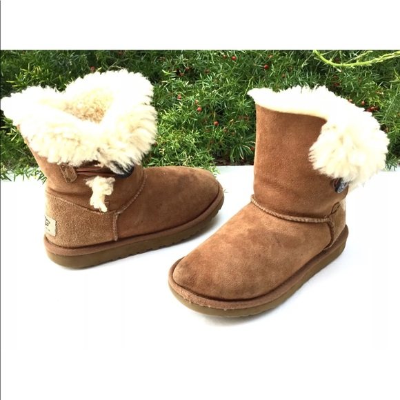 472c72765f6 UGG Australia Kid Tan Sheepskin Fur Short Boot 3